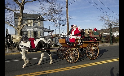 Port Jefferson's 2018 Santa Parade